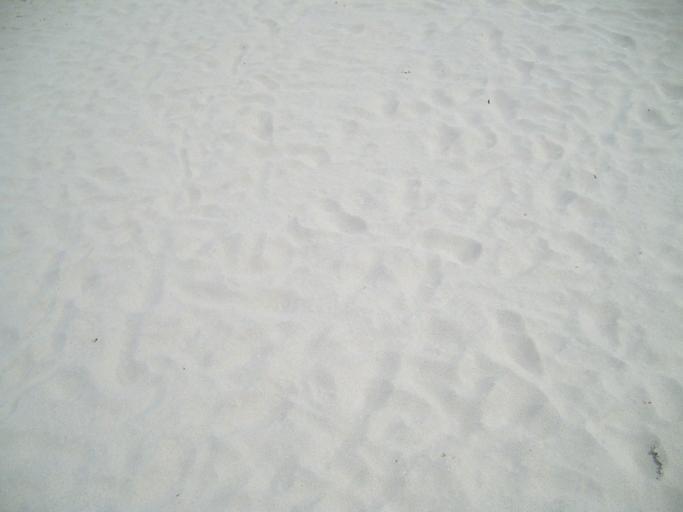 písek světlý