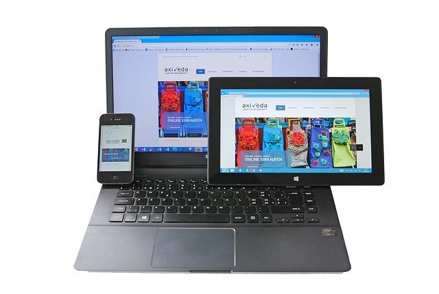 počítač, tablet a telefon